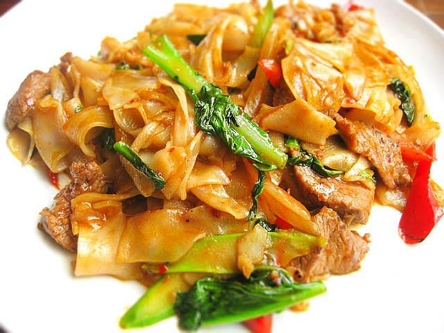 thai-drunken-noodles-pad-kee-mao